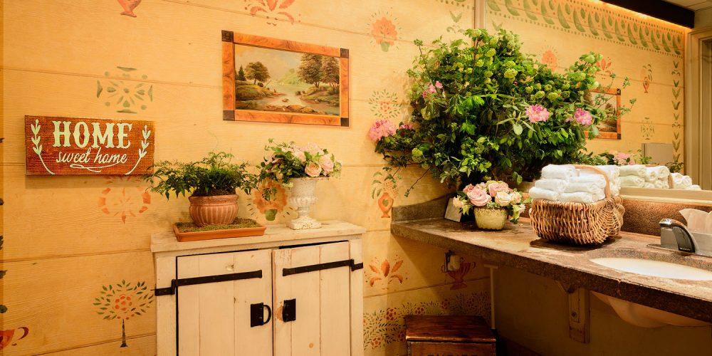 Gramercy Tavern NYC Interior Design Photo